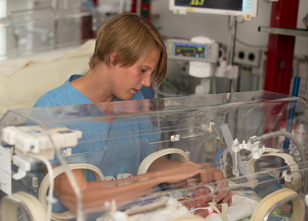 Eins von zehn Kindern wird zu früh geboren + + + mehr: