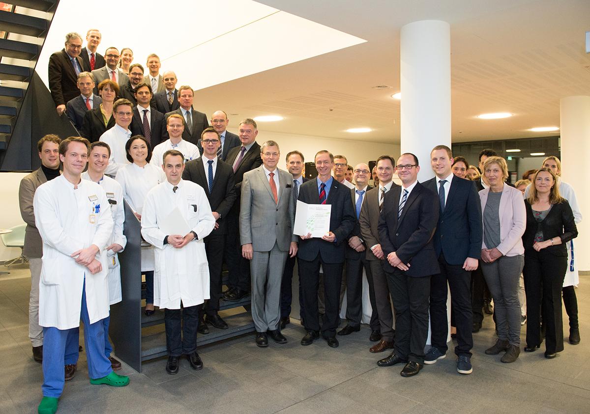 Uni-Klinikum Bonn ist Onkologisches Zentrum der Deutschen Krebsgesellschaft + + + mehr: