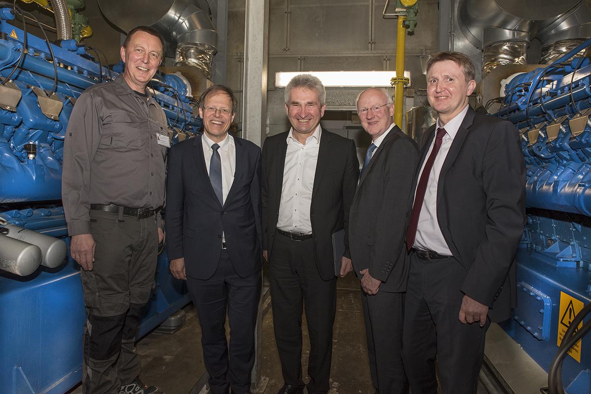 NRW-Wirtschafts- und Energieminister Prof. Pinkwart besucht UKB – Energiezentrale reduziert Kosten um 2,7 Mio. Euro im Jahr
