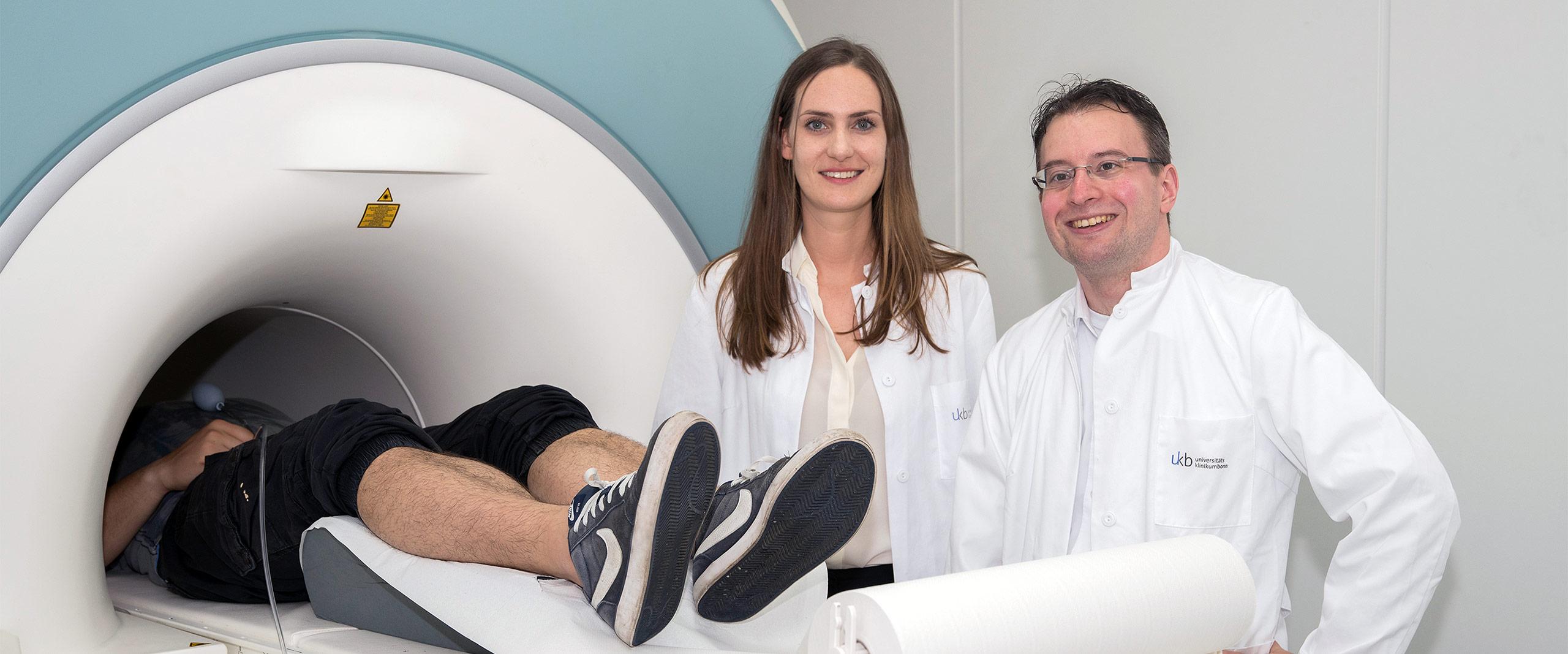 Der funktionelle Magnetresonanztomograph zeichnet die Aktivität der Gehirnareale auf